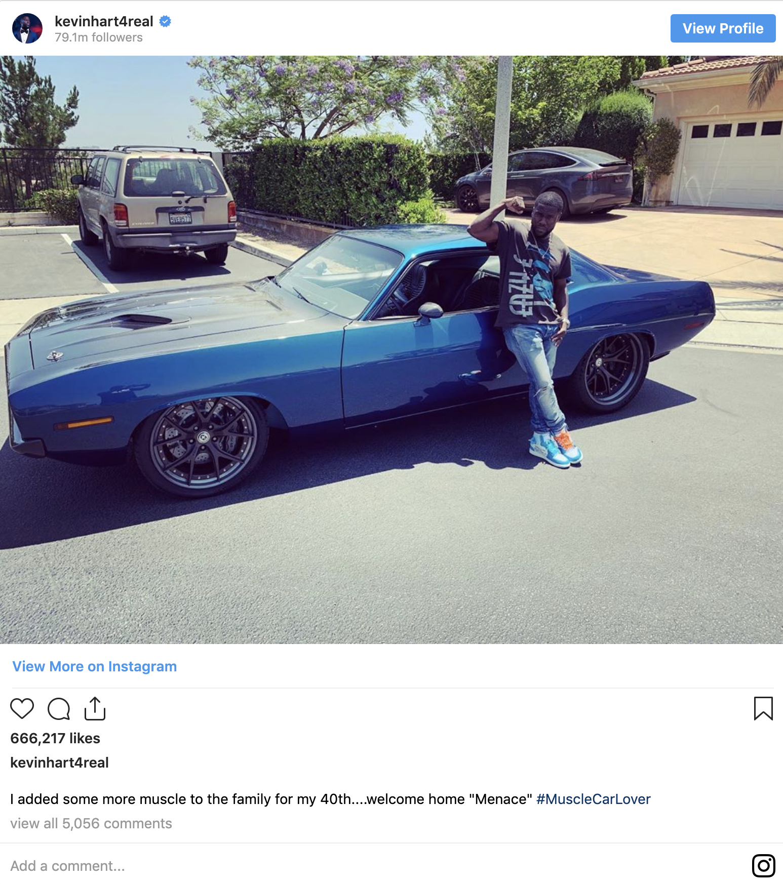 Comedian Kevin Hart involved in a serious car accident